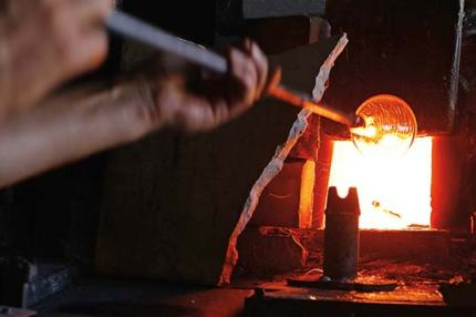 Glassblowing in Hebron © George Azar